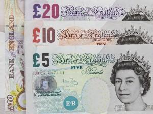 İngiliz Poundu hala forex açısından stabilitesini kazanamamıştır.